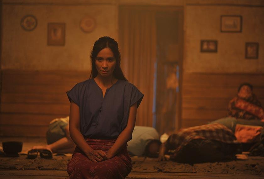 Dalam babak pertama, Marlina meracun mati empat lelaki yang merompaknya