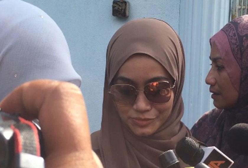 Ude, 30, melafazkan talak satu terhadap Intan Liana, 33, jam 9.50 pagi dihadapan Hakim Syarie Mahkamah Rendah Syariah Gombak Timur. - Foto Sinar Harian