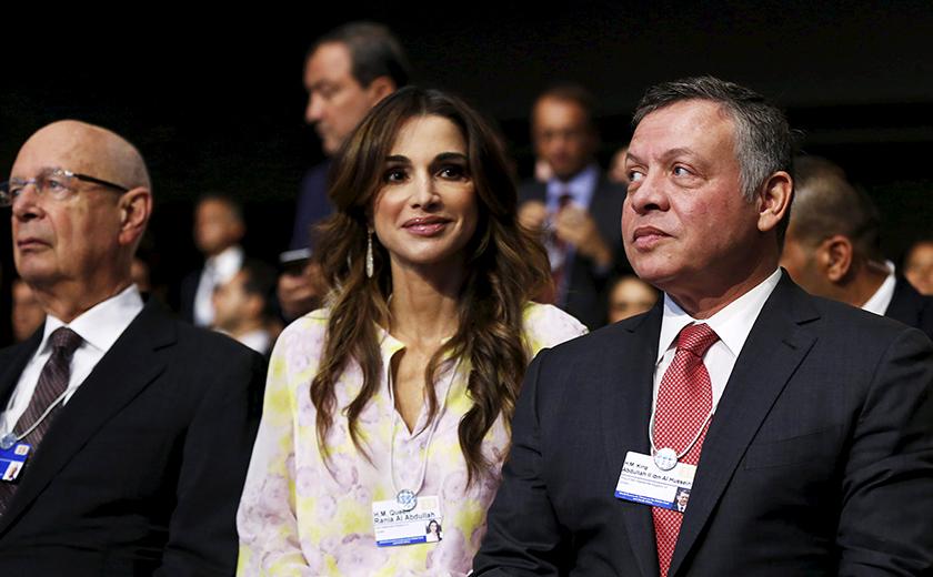 Permaisuri Rania bersama suaminya, Raja Abdullah (kanan).