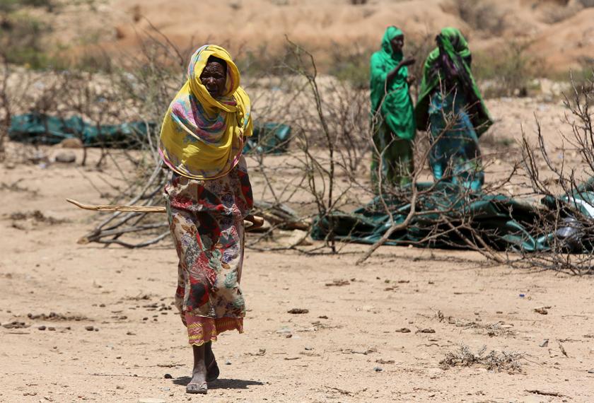Wujud juga budaya yang diamalkan oleh masyarakat Somalia yang meletakkan wanita pada keadaan yang terancam. -Foto AP