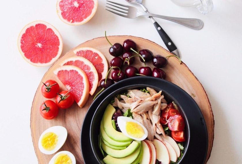 Melalui diet ini, badan akan menukar lemak menjadi tenaga kerana sumber karbohidrat dan protein agak rendah. Badan akan melalui proses ketosis iaitu pembakaran lemak yang ditukar menjadi tenaga.