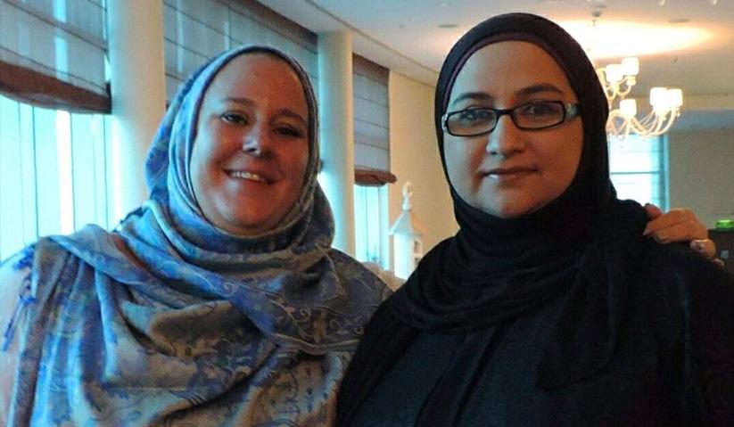Percubaan mengenakan hijab membawa pengalaman tersendiri bagi Ellie. - World Hijab Day