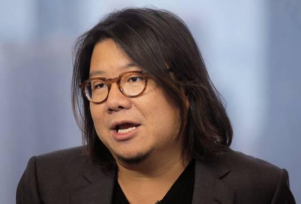 Gagal ikuti program khidmat negara, penulis buku Crazy Rich Asians dikehendaki Singapura