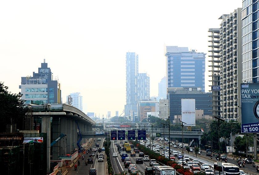 Di Indonesia, lebih 350 perniagaan di bawah 16 industri berada dalam senarai negatif, memberi kesan kepada projek infrastruktur. Ceritalah