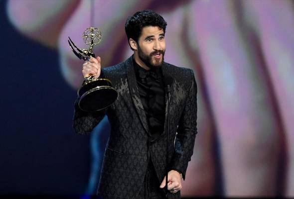 Anugerah Emmy: Darren Criss aktor filem terbaik, Sandra Oh cipta sejarah