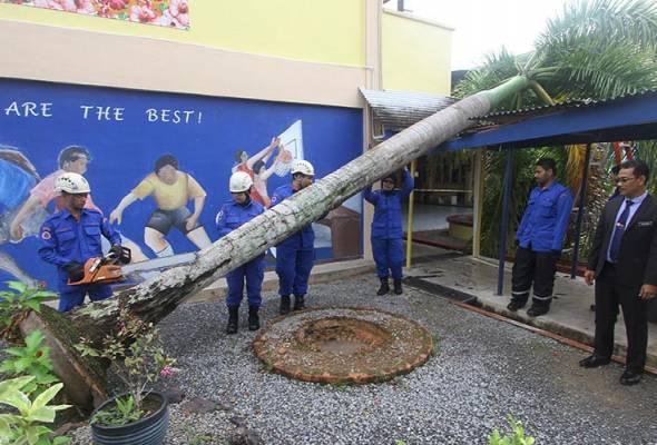 Ribut Perlis: 38 sekolah alami kerosakan