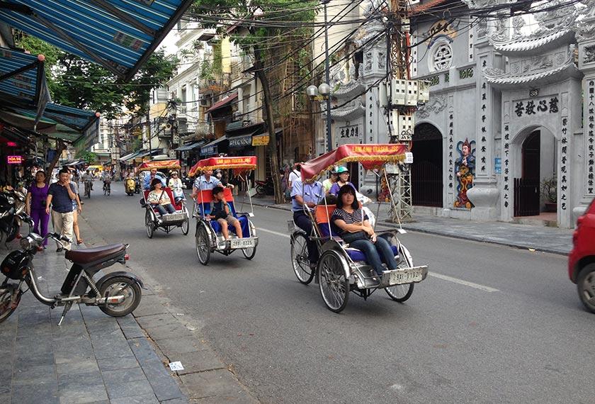 Penduduk Vietnam telah melalui peperangan selama lebih 30 tahun, tetapi selepas Doi Moi, mereka telah menyaksikan pertumbuhan yang dramatik. Ceritalah