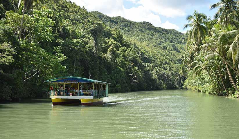 Sungai Lomboc di kepualauan Visaya di Bohol. Adalah penting untuk memastikan aktiviti rekreasi tidak menyebabkan kemerosotan khazanah alam yang tidak dapat diganti. - Hezril Azmin/Ceritalah