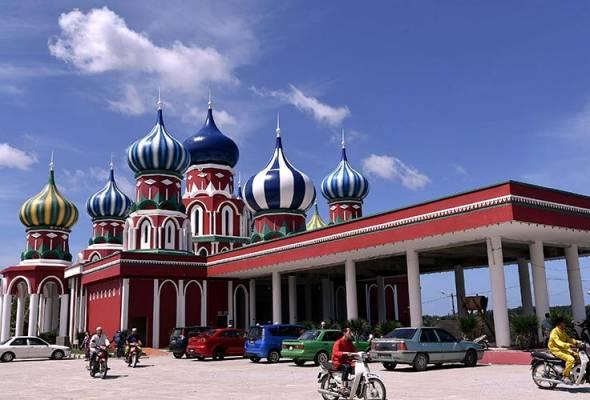 Masjid Lapan Kubah unik, digelar Masjid Russia
