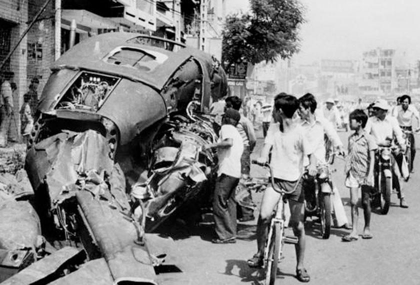 Perang Vietnam dari 1954 hingga 1975 dianggarkan telah mengorbankan antara 1.5 ke 3.6 juta orang.