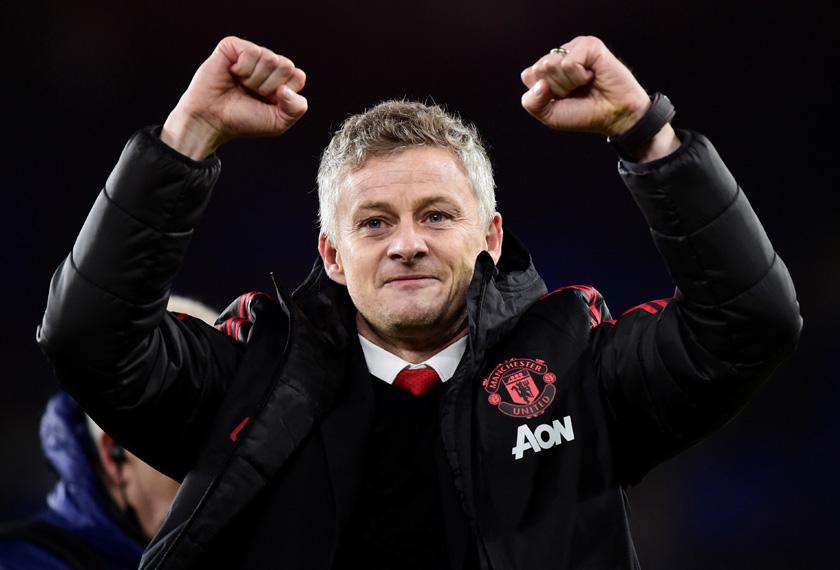 Ole Gunnar Solskjaer meraikan kejayaan selepas Manchester United menewaskan Cardiff City 5 - 1 di Stadium Cardiff City, 22 Dis, 2018. REUTERS