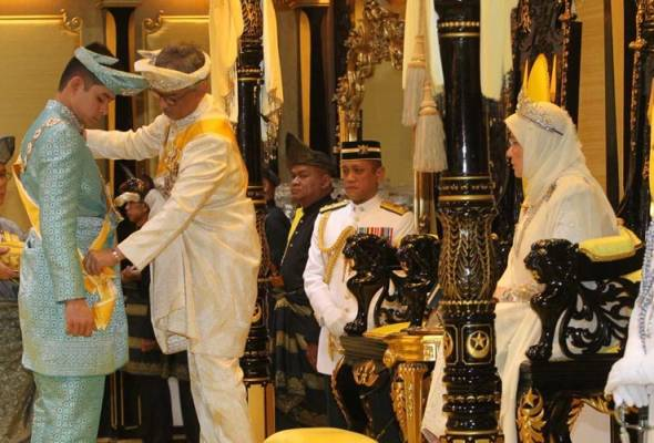 Tengku Hassanal dimasyhur Tengku Mahkota, Pemangku Raja Pahang