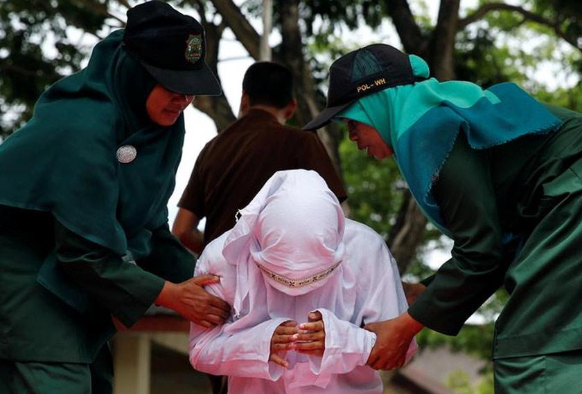 Amalan sebat disokong ramai pihak dalam kalangan penduduk Aceh yang majoriti beragama Islam. - Gambar hiasan