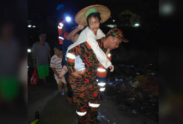 Pusat pemindahan mangsa banjir dibuka di Sarawak