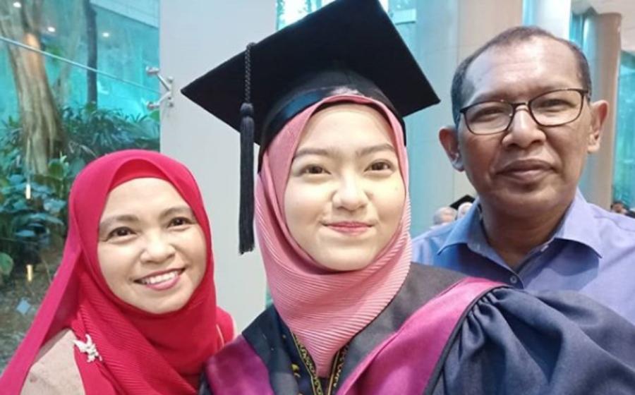 'Papa dulu belajar sampai...' - Salih Yaccob hadiri majlis konvokesyen anak