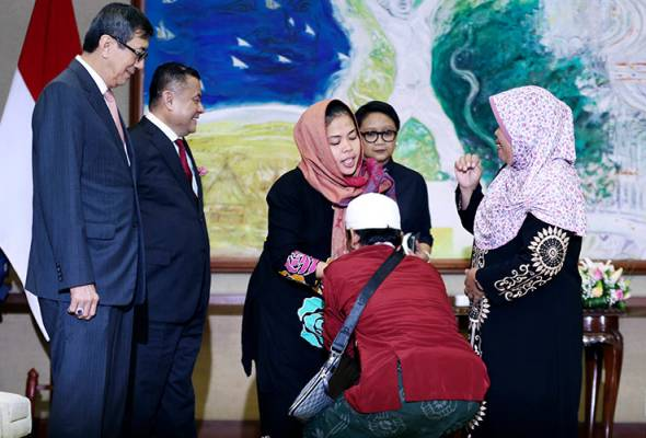 Kepulangan Siti Aisyah disambut dengan air mata
