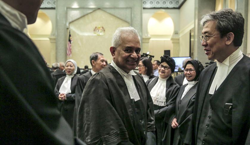 Hadir sama pada Majlis Meraikan Ketua Hakim Negara adalah Peguam Negara, Tommy Thomas. - Foto Astro AWANI / Shahir Omar