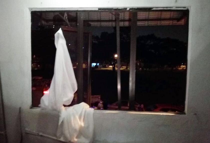 Pihak bomba mendapati  berlaku kebocoran gas yang mengakibatkan ledakan di dalam rumah tersebut . - Foto Ihsan JBPM