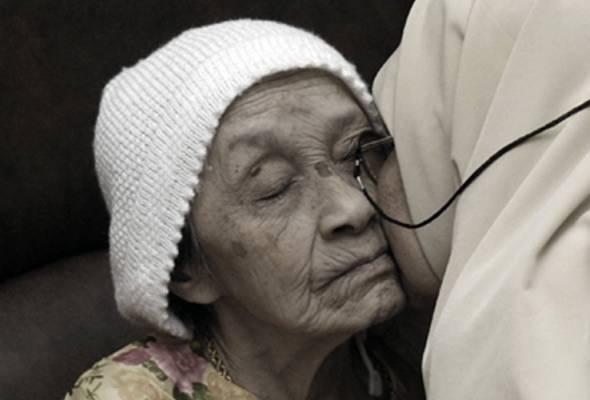 Pada yang tiada lagi ibu tercinta, rindu itu tidak tertanding dengan apapun... | Astro Awani