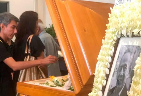 Mayat mendiang Khoo Kay Kim selamat disemadikan