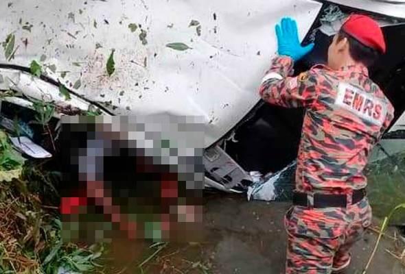 Lelaki maut kereta terhumban dalam parit
