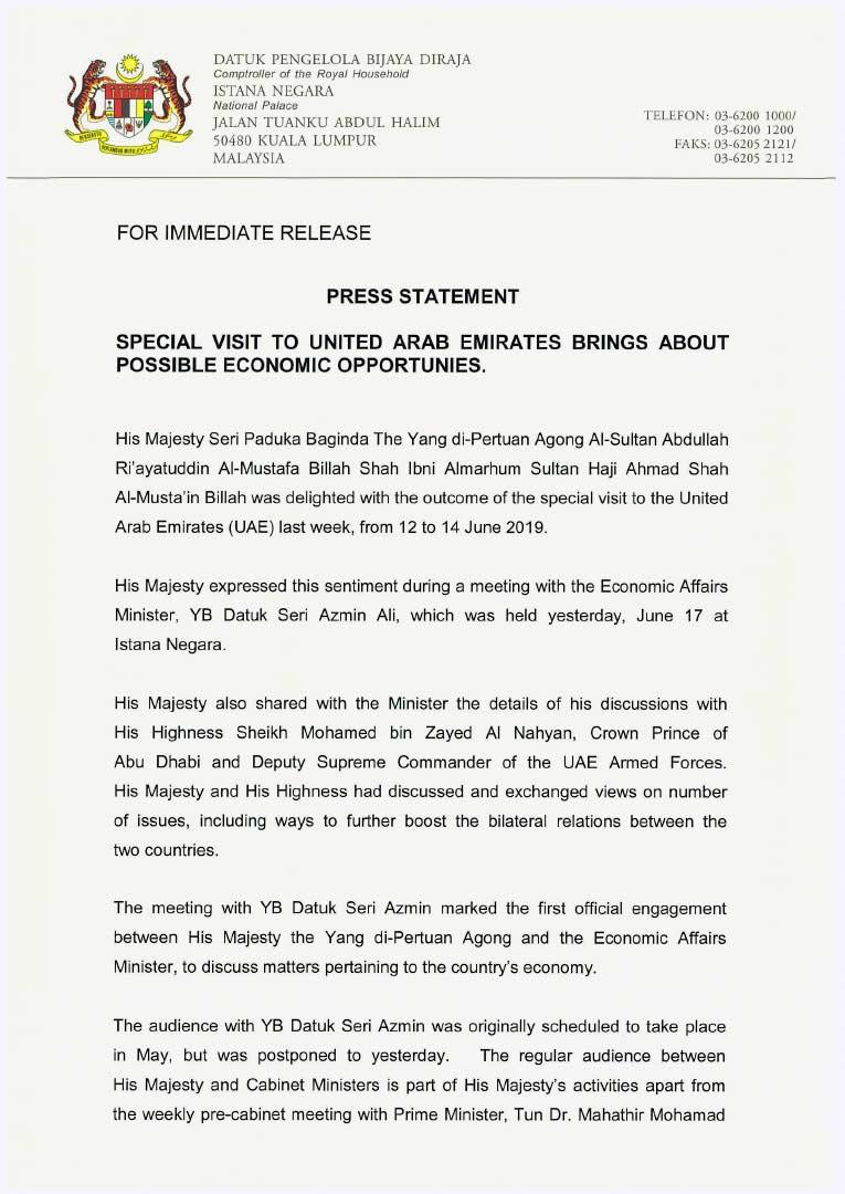 Istana Negara dalam satu kenyataan berkata, Sultan Abdullah turut bekongsi perincian perbincangan bersama Putera Mahkota Abu Dhabi dan Timbalan Pemerintah Tertinggi Angkatan Tentera UAE Sheikh Mohamed bin Zayed Al Nahyan kepada Azmin. -Gambar fail