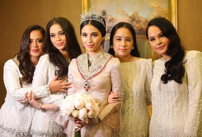 Keanggunan puteri-puteri raja... - Instagram Tengku Puteri Iman Afzan