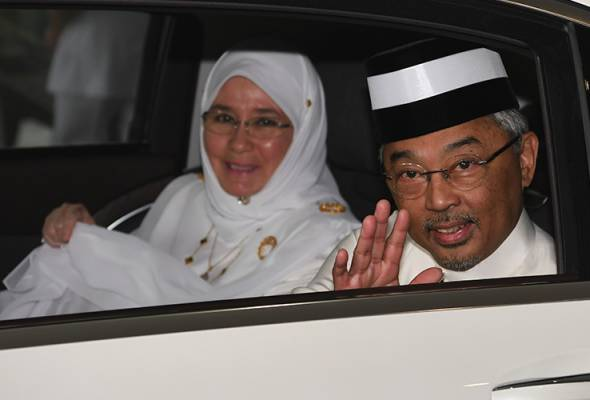 Yang di-Pertuan Agong berangkat ke Arab Saudi