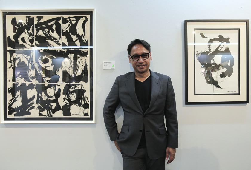 Lukisan yang dihasilkan oleh Datuk Khairul Anuar Salleh yang dipamerkan di Galeri Shah Alam. - Foto Astro AWANI/Shahir Omar