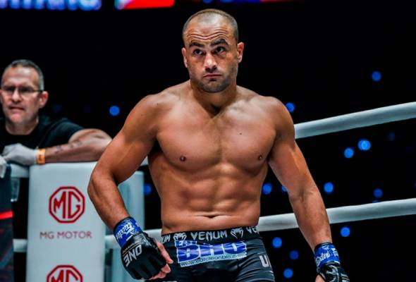 MMA: Eddie Alvarez lakar kemenangan pertama di ONE Championship