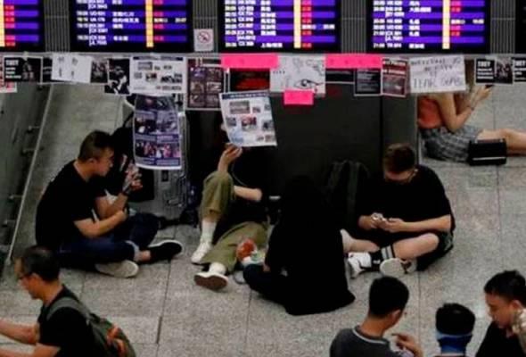 Lapangan Terbang Antarabangsa Hong Kong kembali beroperasi