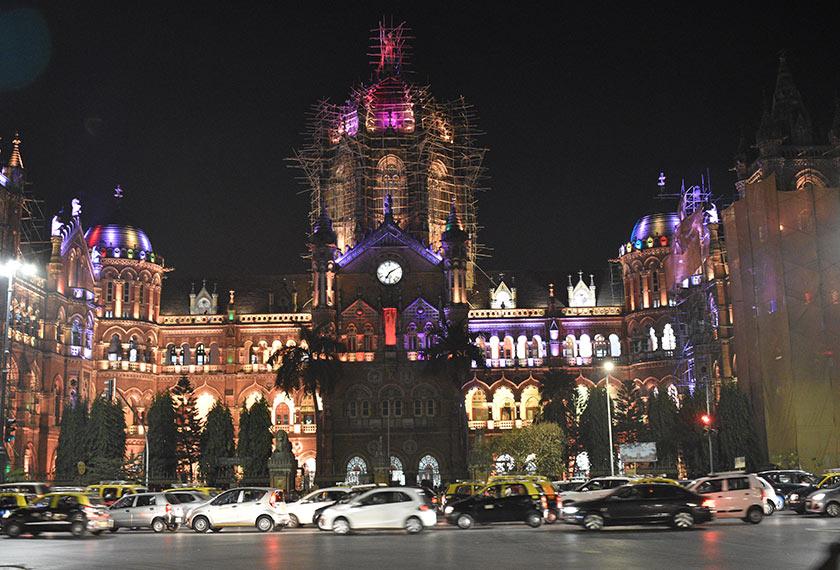 'Mumbai bukan Delhi. Di sini sangat aman.' Foto Pasukan Ceritalah