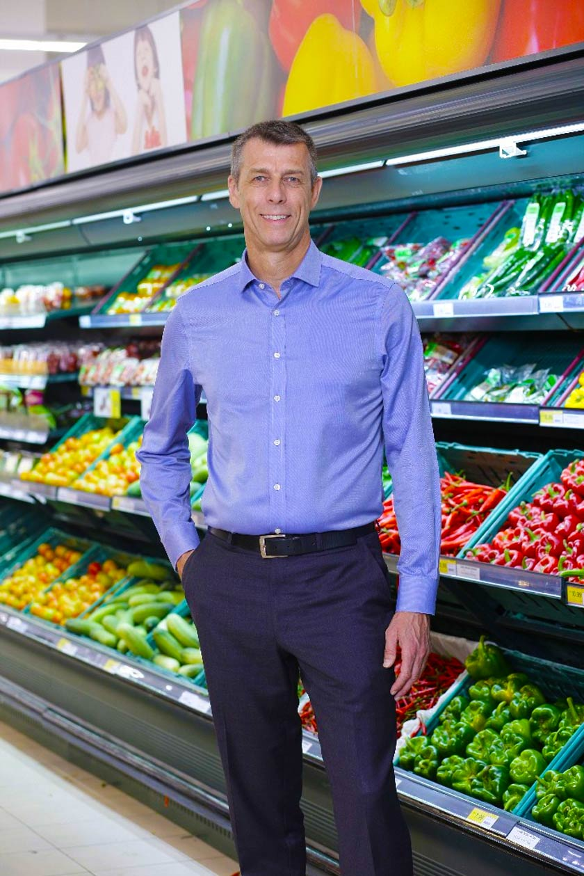 Ketua Pegawai Eksekutif Tesco Malaysia, Paul Ritchie berkata usaha pasar raya itu ke arah mengurangkan lebihan sisa makanan sudah dilakukan sejak sekian lama. -Gambar Tesco Malaysia