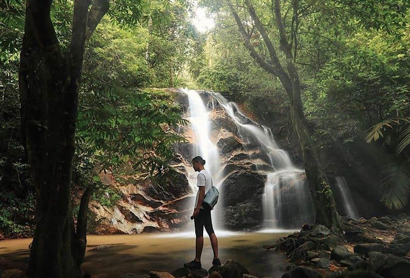 Laluan atau trek di hutan ini adalah agak mudah bagi yang mula ingin berjinak-jinak untuk meredah hutan. - Tourism Selangor