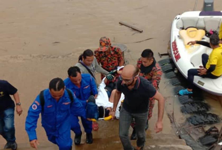 Akibat kemalangan tersebut,mangsa mengalami kecederaan parah iaitu patah kaki kanan dan mangsa telah dikejar ke Hospital Kanowit. - Foto PDRM