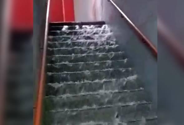 Paip pecah: Air melimpah dari tingkat 61 Komtar