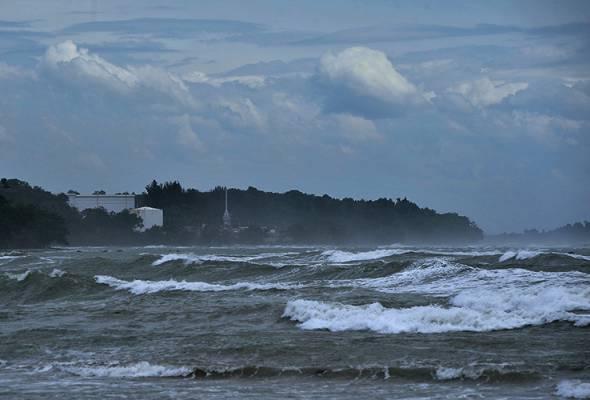 Amaran angin kencang, laut bergelora sehingga Rabu