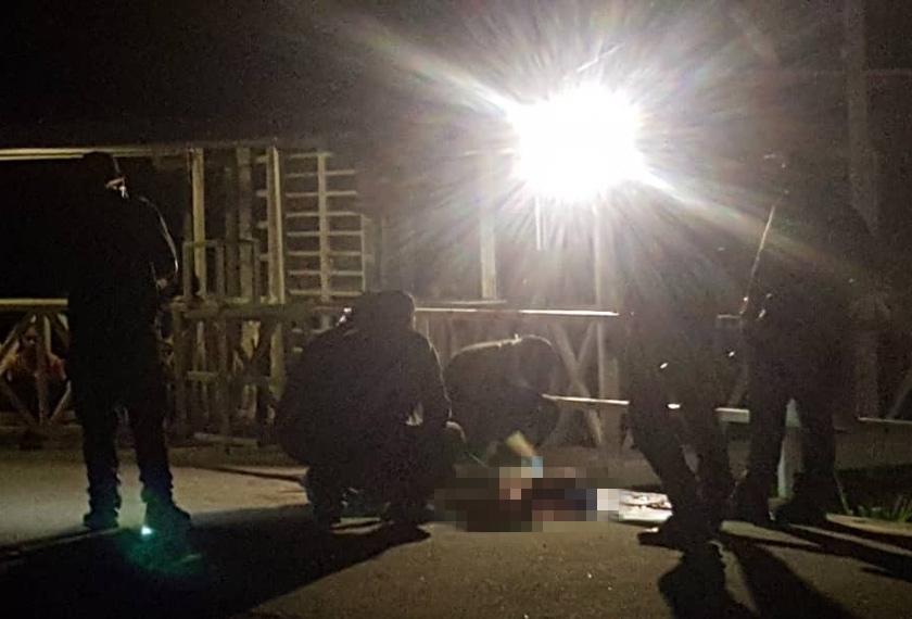 Dalam kejadian kira-kira jam 12.30 tengah malam itu, Jimboy Basal, 40, ditemui dengan keadaan berlumuran darah oleh anak lelakinya. - Foto Astro AWANI