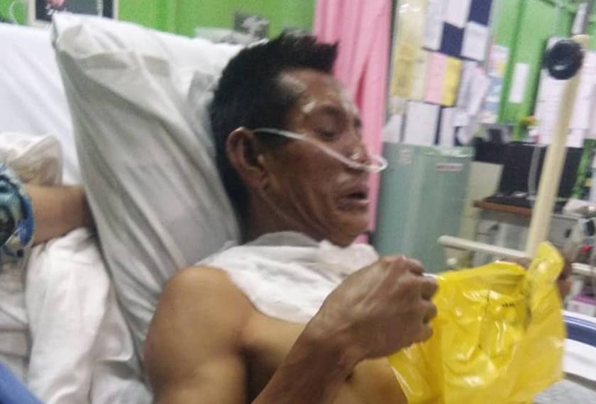 Mangsa yang sesak nafas menerima rawatan di hospital. - Foto JBPM Sarawak