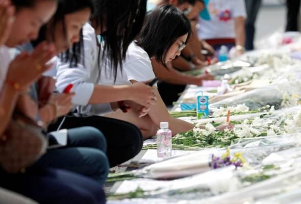 Amuk askar Thailand: Penduduk berkabung, beri penghormatan terakhir