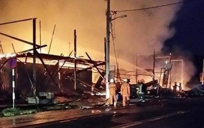 Ibarat seperti jatuh ditimpa tangga, Zaidah sekali lagi diuji apabila kedai jahitnya terbakar sehingga dia mengalami kerugian RM200,000.