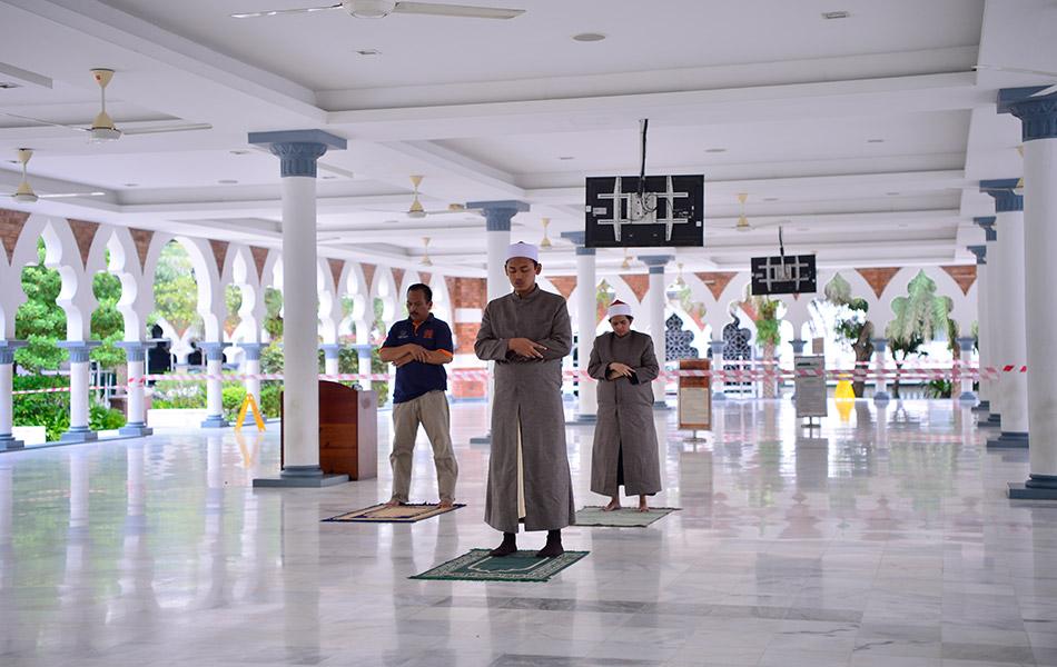 Syahdu masjid , sepi, COVID19