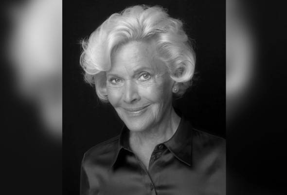 Gadis Bond 007 Honor Blackman meninggal dunia