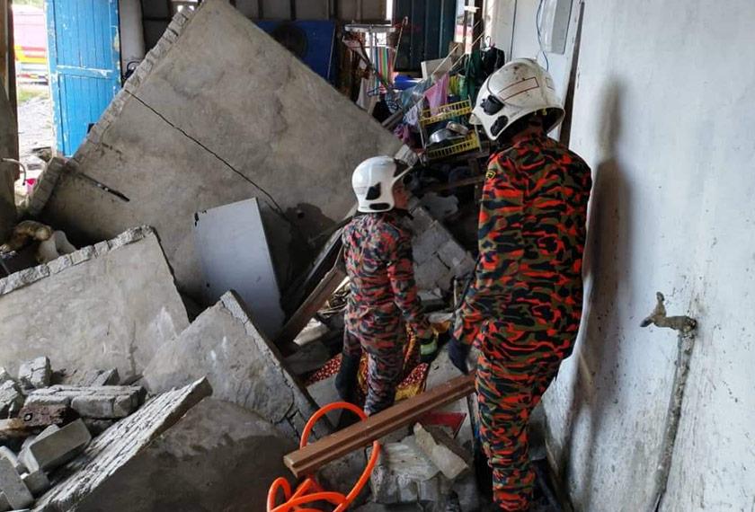 Konkrit bahagian dapur rumah mangsa di Kampung Wawasan Jaya, Samariang, Kuching.