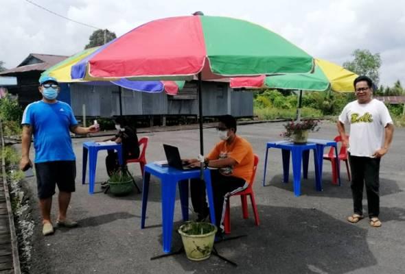 Pondok internet disediakan untuk pelajar SMK Bawang Assan ulang kaji pelajaran