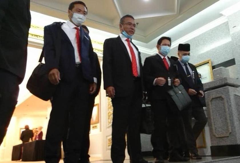 Pelantikan berkenaan berlangsung tanpa kehadiran mana-mana wakil ADUN pembangkang selepas persidangan itu ditangguhkan pada sebelah pagi. - Foto Astro AWANI