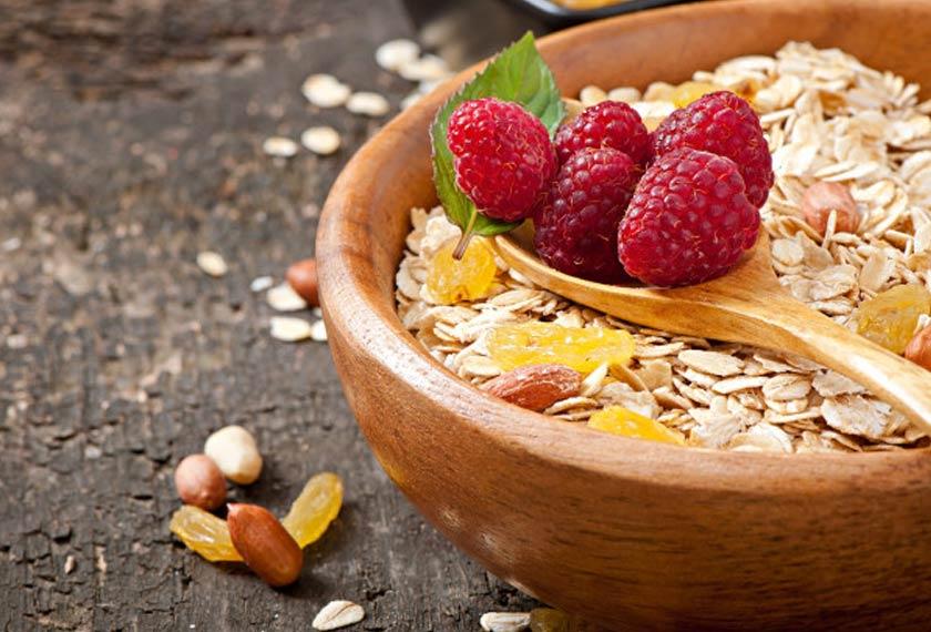 Walaupun 100g oat mengandungi 91 kalori sahaja namun kandungan serat tinggi membantu membuatkan anda berasa lebih kenyang dalam tempoh yang lama