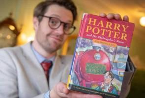 Buku terbitan pertama Harry Potter and the Philosophers Stone dilelong RM176,000 2
