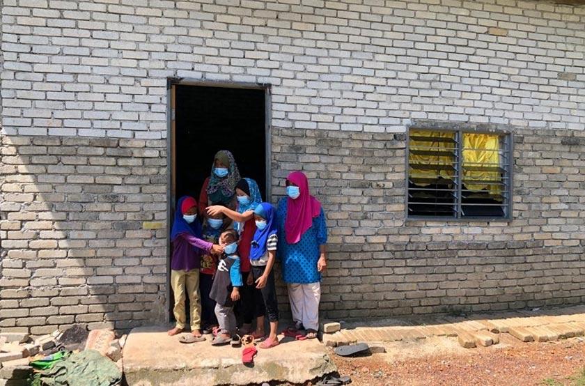 Kehidupan keluarga ini menjadi lebih sukar selepas Che Nolia tidak dapat bekerja seperti biasa sejak PKP dilaksanakan Mac lalu.