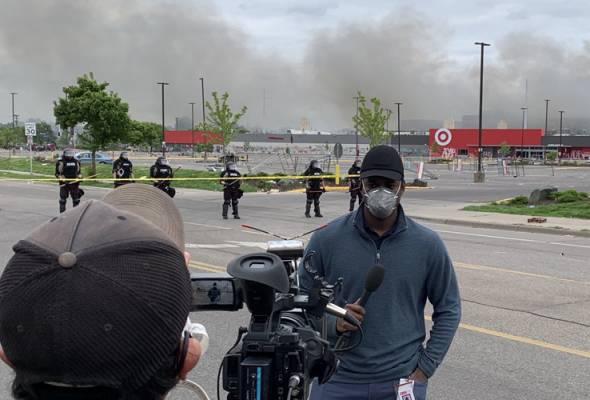 Rusuhan Minneapolis: Wartawan, jurukamera CNN ditahan ketika siaran langsung